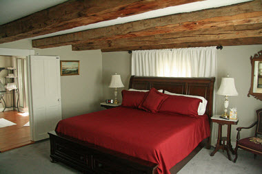 lake winnipesaukee room 1810 house